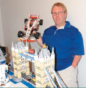 Jeff Hurd – His World of Legos